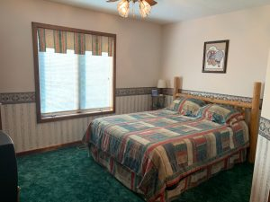 Santa Fe Guestroom at Underhill Farms - Moundridge, KS
